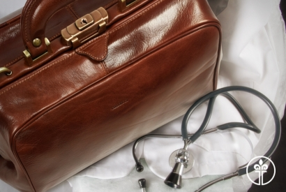 DOCTOR'S BAGS: CRAFTED FOR YOUR DAILY WORK